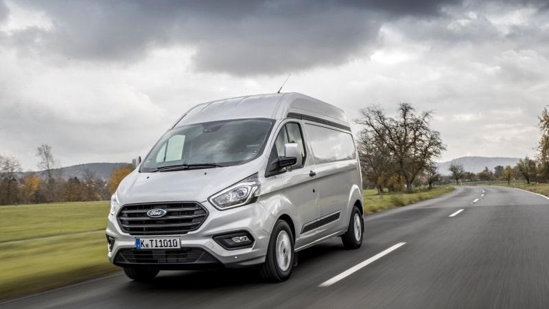 Ford Transit Custom Mild Hybrid novità furgoni 2020
